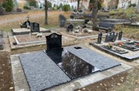 Granito trinkelių klojimas kapavietėje