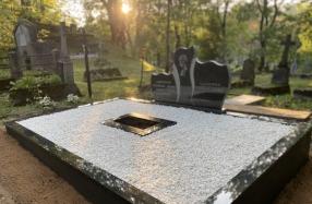 Kapavietės tvarkymas Rasų kapinėse