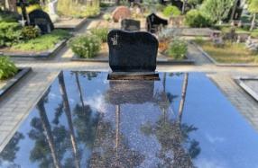 Kapo dengimas plokštėmis Kairėnų kapinėse
